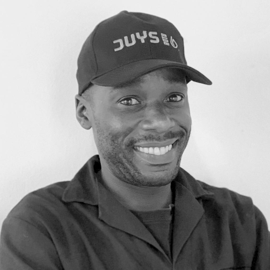 Molusi team member
